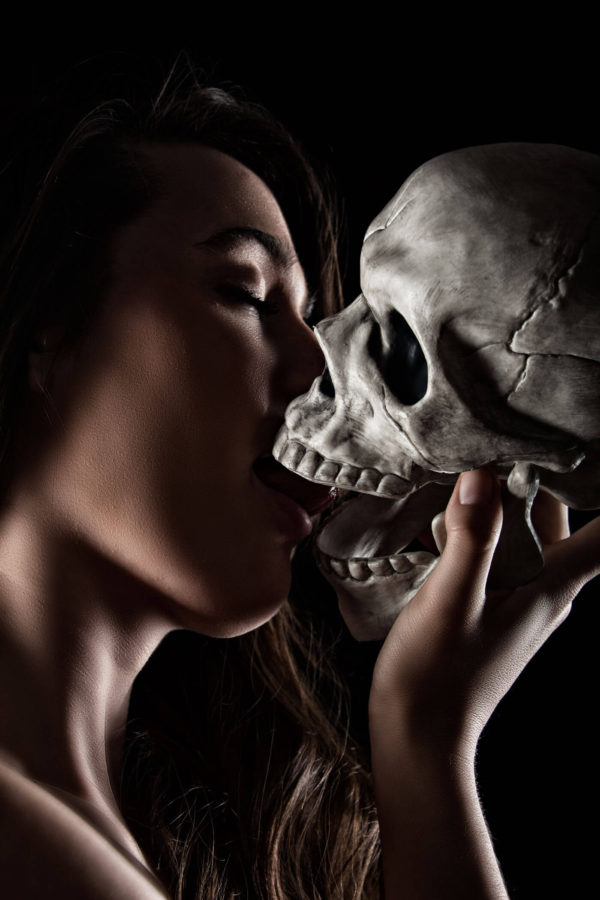 Dixie getting a kiss from death